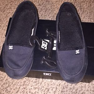 DG women's villain slippers size 9